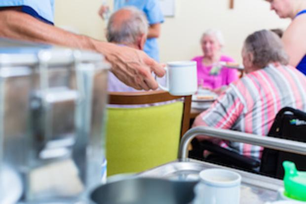 die-linke pflegedienst sahra-wagenknecht pflegeversicherung