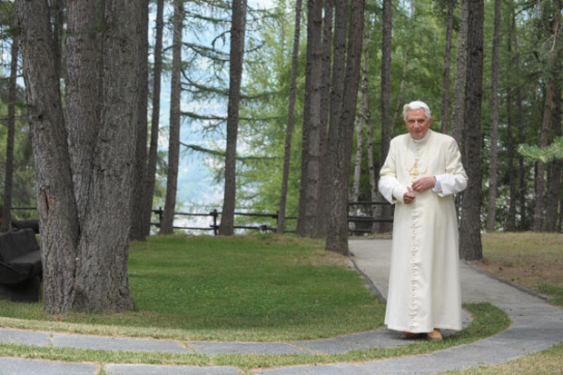 katholische-kirche christentum papst-benedikt-xvi tradition papstkritik