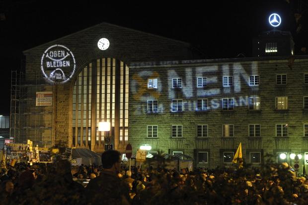 stuttgart-21 volksabstimmung winfried-kretschmann direktdemokratie