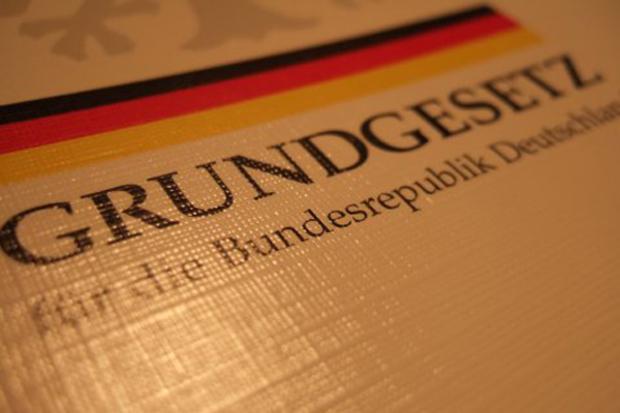 deutscher-bundestag finanzkrise bundesrat föderalismus monopol oligopol