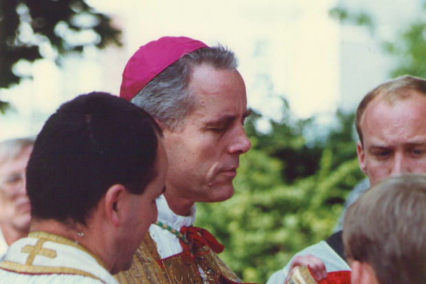 katholische-kirche kirche piusbruderschaft