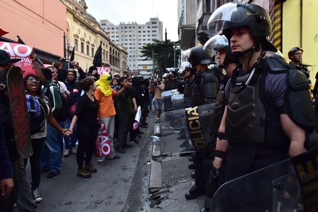 protest brasilien fifa fussball-wm-2014