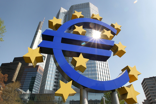 euro europaeische-zentralbank waehrungsunion us-dollar waehrung